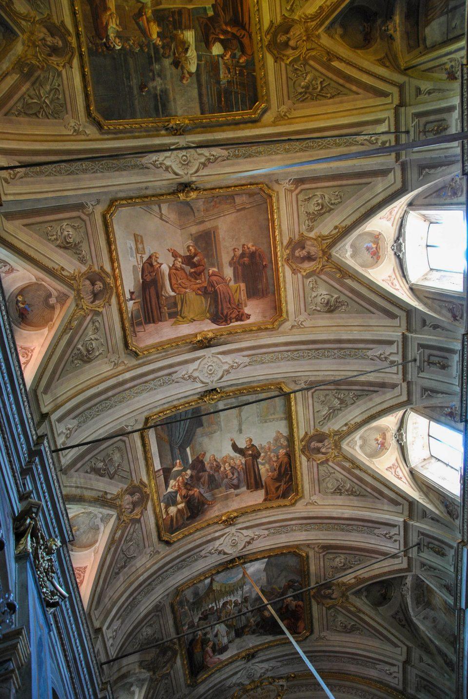 L'interno della chiesa di Sant'Antonio di Padova a Garessio