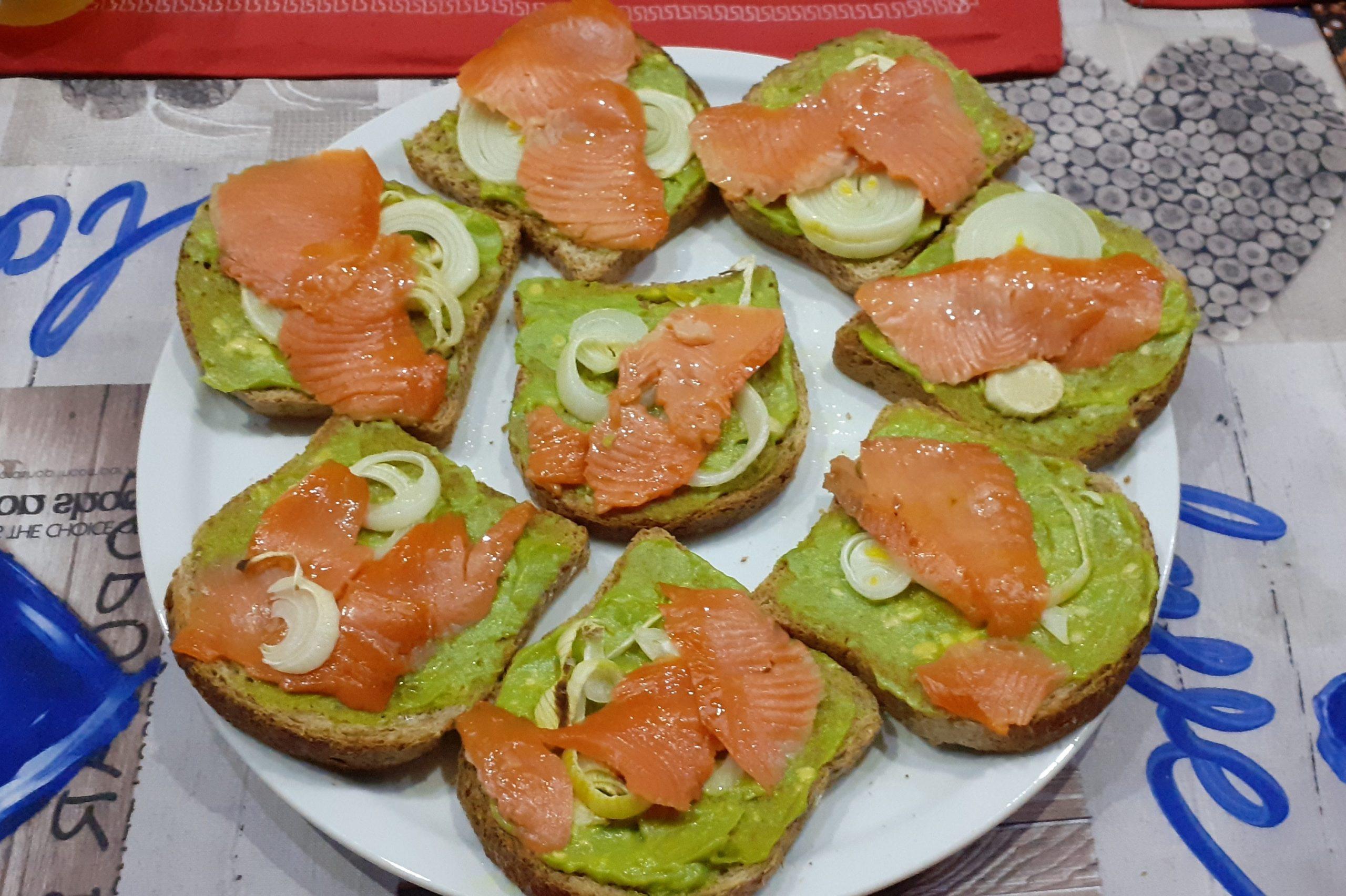 Avocado toast al salmone
