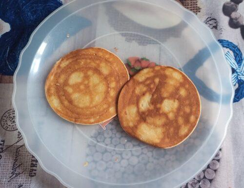 Pancake alla banana leggeri e veloci